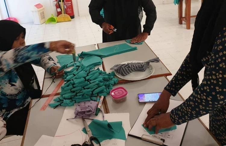 Lhaviyani Atoll Education Centre to provide all students with masks