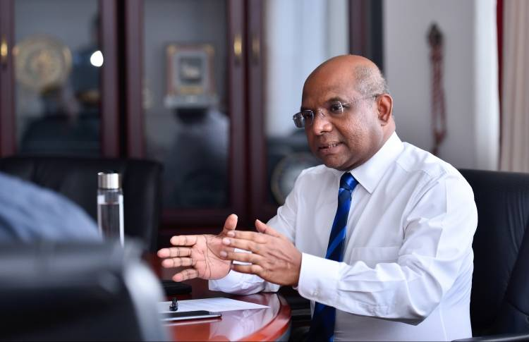 Foreign Minister requests Sri Lanka to ensure safety of Maldivians