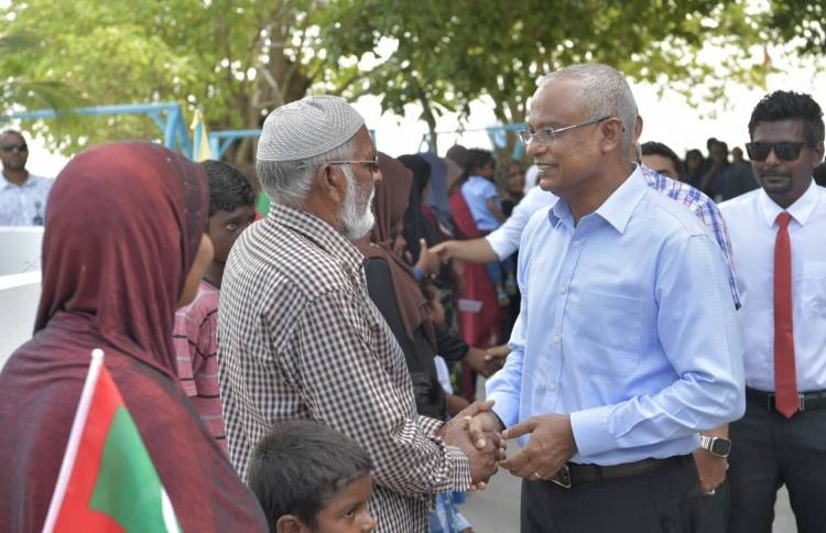 President arrives in Fehendhoo during Baa Atoll tour