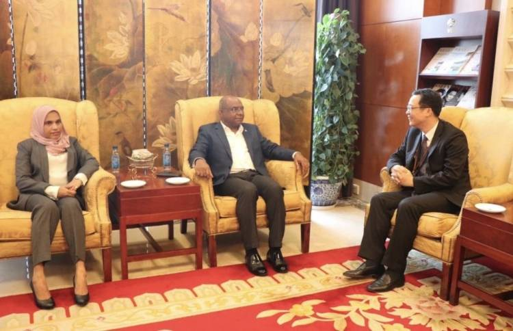 Foreign Minister arrives on diplomatic visit to China