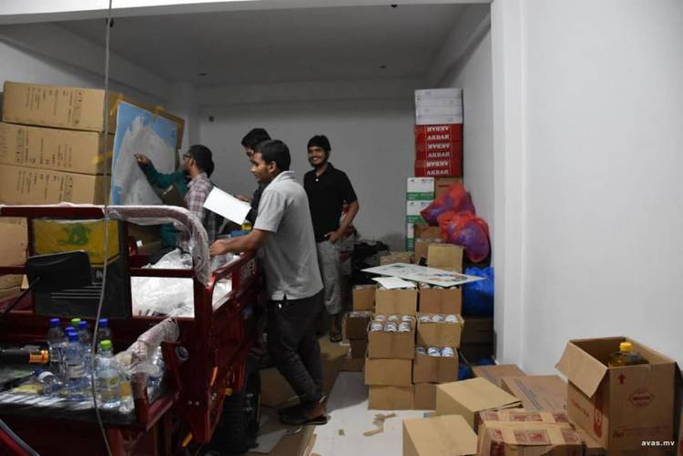 NGO provides food supplies for deprived families