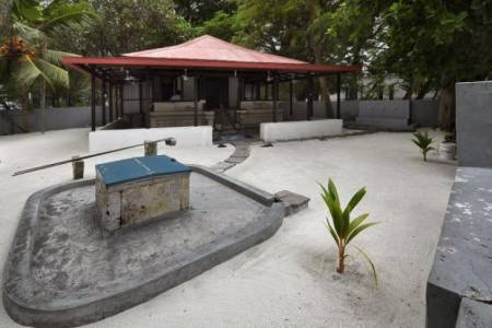 Govt again seeks contractors to reassemble historic mosque