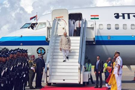 Prime Minister Modi arrives in Maldives
