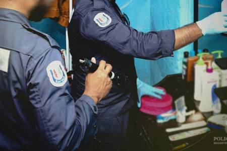 Police raid three flats, arrest two individuals with drugs