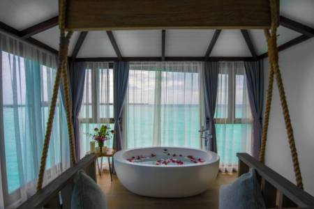 Grand Park Kodhipparu Maldives has won three awards at the World Luxury Spa Awards 2019.