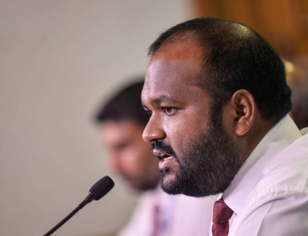 President dismisses Tourism Minister Ali Waheed