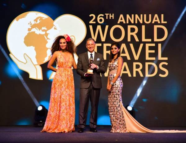Holiday Inn® Resort Kandooma Maldives bags Indian Ocean's Leading MICE Hotel 2019 title